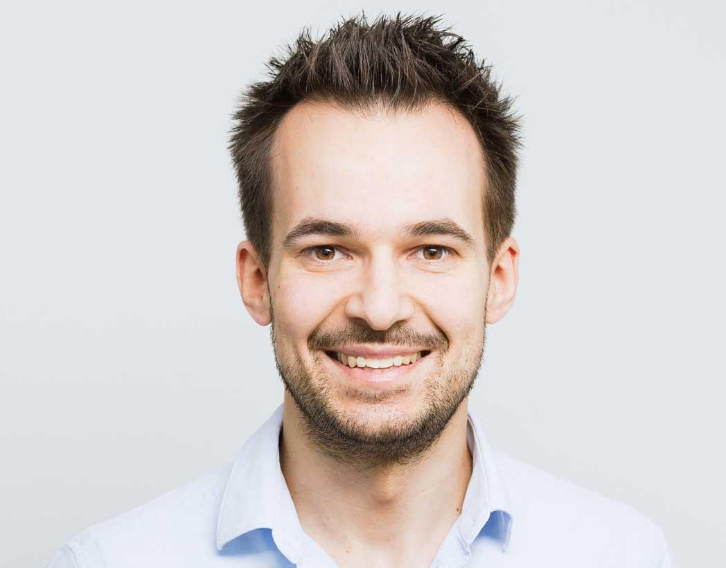 Dr. Johannes Becher