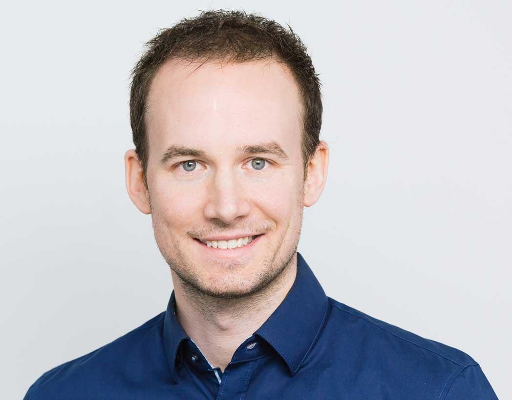 Dr. Viktor Becher